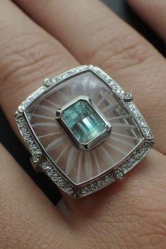 Diamond Jewelry, Gold Jewelry, Jewelry Rings, Jewelery, Jewelry Accessories, Fine Jewelry, Diamond Rings, Art Deco Jewelry, Jewelry Design