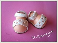 girl figurine feet in lacy sandals idea Foams Shoes, Biscuit, Foam Crafts, Doll Shoes, Ag Dolls, Doll Accessories, Handicraft, Baby Shoes, Creations