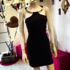 Short Gold&Black Dress Gold And Black Dress, Black Gold, Blood, Dresses, Fashion, Gowns, Moda, La Mode, Dress