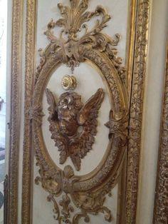 Ornate door Chateau Versalles France