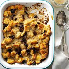 Bread Pudding with Nutmeg British Desserts, Classic Desserts, Jell O, Just Desserts, Delicious Desserts, Dessert Recipes, Dessert Bread, Egg Desserts, White Desserts