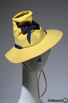 Designer: Lilly Daché French, 1893 - 1989 Medium: Yellow wool felt with violet grosgrain ribbon Date: Country: USA 1930s Fashion, Vintage Fashion, Vintage Accessories, Fashion Accessories, Caroline Reboux, Look Vintage, Vintage Hats, 1930s Hats, Love Hat