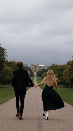 old money - Twitter Search / Twitter Cute Relationship Goals, Cute Relationships, Cute Couples Goals, Couple Goals, Slytherin Aesthetic, Old Money, Photo Couple, Couple Aesthetic, Teenage Dream