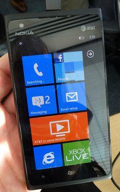 Nokia Lumia 900 - nice looking new phone from Nokia