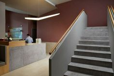 Microcement finished floors are designed to give an ultra smooth finish; designed for interior use. Micro Concrete, Concrete Art, Concrete Staircase, Floor Finishes, Cafe Design, Visual Effects, Stairs, Flooring, Interior