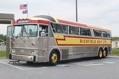 Richfield Bus Co. MCI Challenger