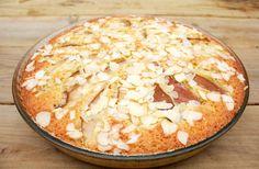 Hämmentäjä: Punssi-päärynäpiirakka. Pear pie with arrack liqueur.
