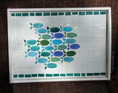 Mosaic Tray with a school of fish. Mosaic Tray, Mosaic Glass, Mosaic Tiles, Glass Art, Mosaic Crafts, Mosaic Projects, Stained Glass Projects, Mosaic Designs, Mosaic Patterns