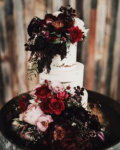 100 Pretty Wedding Cakes To Inspire You Fabmood Wedding Colors Wedding Themes Wedding color palettes Extravagant Wedding Cakes, Pretty Wedding Cakes, Wedding Cake Roses, Wedding Cake Rustic, Wedding Cake Designs, Wedding Cupcakes, Wedding Themes, Wedding Colors, Wedding Ideas