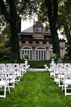 Glidden House (Cleveland) ceremony. - http://www.gliddenhouse.com/weddings-events/