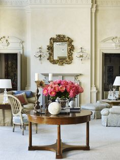 French Living Room In Columbus Ga By Suzanne Kasler Interiors Rooms Beautiful