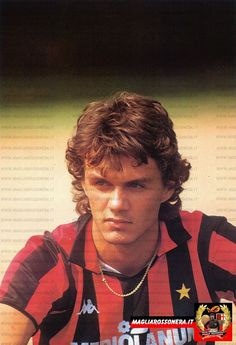 Cliccare sull'immagine per ingrandire Ac Milan, Paolo Maldini, Football Wallpaper, European Football, Best Player, Fifa World Cup, Football Players, Soccer, Sport