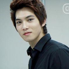 Jonghyun the vampire