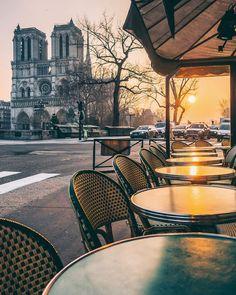 Early mornings in Paris