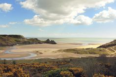 Three Cliffs Bay, Swansea | 27 Places In Wales You Won't Believe Are Real