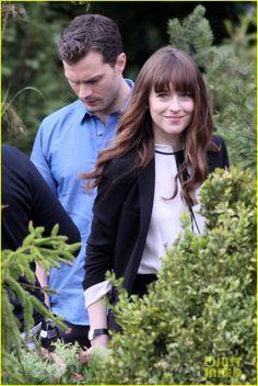 Dakota Johnson & Jamie Dornan Wear Wedding Rings on 'Fifty Shades' Set!