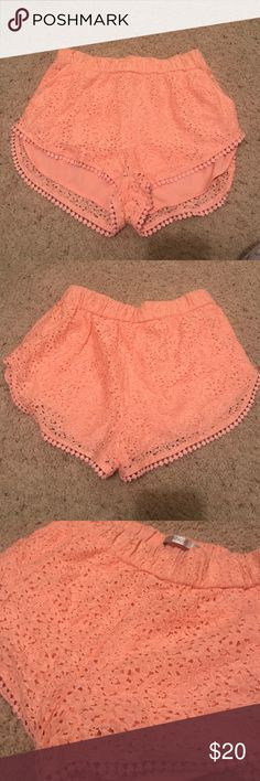 LAST CHANCE. CLOSING Zara coral shorts😊 Very cute perfect for a tropical get away! Never worn! Zara Shorts