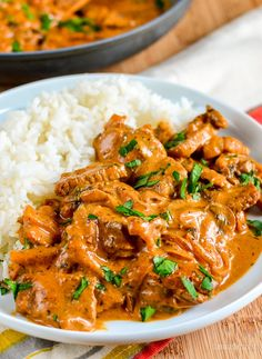 Easy homemade Syn Free Beef Stroganoff - a firm family favourite, perfect with rice or noodles. Syn Free Beef Stroganoff never fails results in clear plates from the entire family and is a recipe I Slimming World Dinners, Slimming World Recipes Syn Free, Slimming World Diet, Slimming Eats, Teriyaki Chicken, Chicken Curry, Coke Chicken, Chicken Salad, Dog Recipes