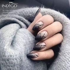 Трендовый дизайн ногтей сезона 2018: свежие, актуальные идеи. Дизайн ногтей нынешнего сезона характеризуется изобилием цвета и множеством идейных решений. Среди актуальных вариантов маникюра сезона 2018: и выразительное омбре, и нежнейший маникюр нюд, и сдержанная #nailart