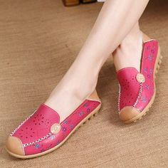 a17b85f1a90 Women Leisure Shoes Breathable Hollow Out Flats Soft Sole Loafers Flower  Printing Loafers