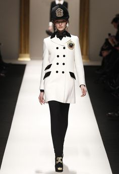 Milano Fashion Week: Fromme Mode und 1920er-Revival - Modeschauen Herbst/Winter 2013 - derStandard.at › Lifestyle