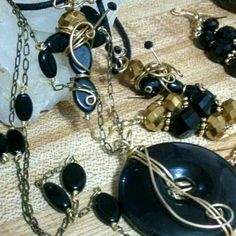 Getting for the pup-up holiday jewelry shop the Red Door at 206 North Carrollton ave from 4pm to 8 pm in New Orleans which explains all the black and gold. 20% of the proceeds go to animal rescue!!  #adoptdontshop
