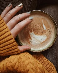 Im so beyond ready for fall. Do you enjoy summer? Im so beyond ready for fall. Do you enjoy summer? Coffee Break, Morning Coffee, Happy Morning, Happy Saturday, Sunday, Tumblr Cafe, Drink Recipe Book, Autumn Cozy, Autumn Fall