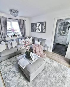 Grey Living Room Ideas You Must Look - Crafome Small Living Room Design, Boho Living Room, Living Room Designs, Living Room Decor, Living Room Goals, Living Rooms, Blush And Grey Living Room, Lounge Design, Living Room Inspiration