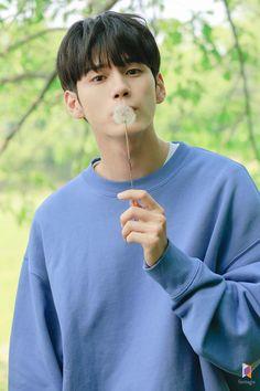 Ong Seongwu 'Moment at Eighteen' Drama Poster Filming Behind by Fantagio Korean Star, Korean Men, Korean Actors, Korean Dramas, Ahn Hyo Seop, Ong Seung Woo, Hair Color Streaks, First Boyfriend, Weightlifting Fairy