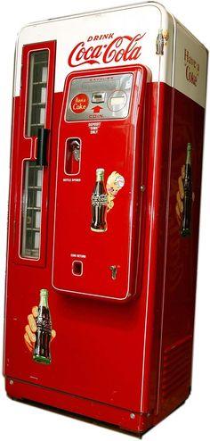 Vintage Coca Cola vending maching. Get in my room.