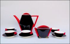 Serwis porcelanowy do małej kawy na 6 osób, porcelana malowana, wzór Kaprys, proj.B.Wendorf ( 1932-34 r.) Ćmielów II poł. XX w,. Coffee Service, Tea Service, Ceramic Design, Glass Design, Art Deco Colors, Examples Of Art, Chocolate Pots, Coffee Set, Porcelain Ceramics