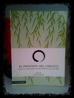 """""""El principio del círculo"""" un libro especial donde nos recuerda la importancia del contacto y la comunicación. Editado por Comanegra"""