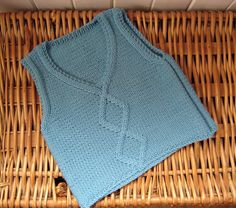 Ravelry: gingergooseberry's Cabled Tank