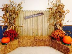 Awesome Fall Wedding Themes You Cannot Miss! 5 Awesome Fall Wedding Themes You Cannot Miss! 5 Awesome Fall Wedding Themes You Cannot Miss! Halloween Fotos, Theme Halloween, Fall Halloween, Halloween Photo Booths, Party Photo Booths, Halloween Dance, Fall Photo Booth, Photo Booth Backdrop, Photo Backdrops