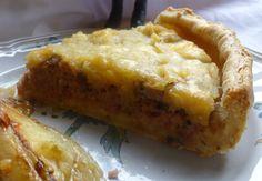 Bonjour les momozamis! C'est aussi une partie de mon enfance gustative!la saucisse aux pommes...on ne m'aurait pas fait manger de la saucisse sans une compote de pommes avec morceaux! Une recette de l'estaminet le Kasteelhof au Mont Cassel(Flandres),qui...