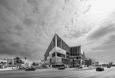 Congress Center and Hotel of Palma de Mallorca by Francisco Mangado. Photograph © Juan Rodriguez