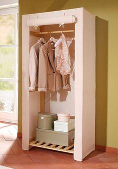 Aus FSC®-zertifizierter massiver Kiefer natur unbehandelt. Oben eine Kleiderstange aus Massivholz. Mit cremefarbenem Stoffbezug aus 65% Polyester und 35% Baumwolle. Die Stoffabdeckung kann zusammengerollt und befestigt oder mittels Reißverschluß geschlossen werden. Nur chemische Reinigung möglich. Gesamtmaße (B/T/H): 75/50,5/170 cm. Höhe bis zur Kleiderstange 158 cm. Details: Regalböden bela...