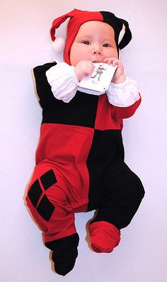 ♡♡♡Harley Quinn baby outfit,dress my future daughter in this Halloween costume Baby Cosplay, Baby Batman, Harley Quinn Cosplay, Joker And Harley Quinn, Unique Baby Clothes, Cute Babies, Baby Kids, Wishes For Baby, Baby Costumes