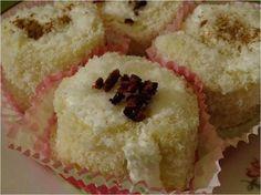 Kokosröllchen Muffin, Breakfast, Food, Vegane Rezepte, Morning Coffee, Essen, Muffins, Meals, Cupcakes