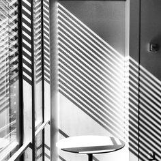 Office Romance: Renzo Pianos Light - NYTimes.com