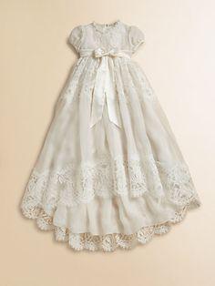 Dolce & Gabbana - Infant's Lace Baptism Dress - DAS Taufkleid, wenn auch nicht grade schlicht...