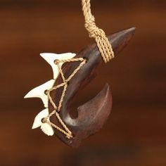 Manu+Makau+Maori+Wooden+Necklace+w/3+Teeth+Sharks+Tooth-(Brown/White+Teeth)-Unisex.    3+Real+Sharks+Teeth.+  (NOTE:+No+sharks+were+harmed.)    Carved+Wood+Fish+Hook.    Adjustable+necklace+to+fit+most+all+sizes.    Please+review+shipping+charges+and+details