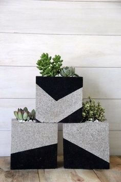 DIY plant pots and stands that'll get you ready for spring Cinder blocks are an affordable way to craft modern planters for your succulents.Cinder blocks are an affordable way to craft modern planters for your succulents.