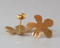 lightweight earrings    #Stud earring  Gold #flower studs  Gold plated  by @sigalitaJD