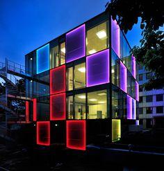 Hochleistungs-Solarfassade | Architecture bei Stylepark. Light design.