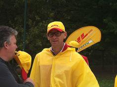 Ecco Alberto Nobis,  A.D. di DHL Express Italy, pronto a sfidare il cielo incerto e a pedalare la #yellowparade #gogreen http://www.dhllive.com/content/il-sogno-green-di-dhl