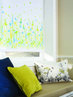 Get ready for Spring with this lovely, colourful flower roller blind.