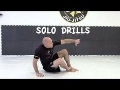 Jiu-Jitsu Solo Drill To Help Your Game It's my professor! Jiu Jitsu Training, Mma Training, Martial Arts Training, Karate Training, Krav Maga Techniques, Jiu Jitsu Techniques, Fight Techniques, Judo, Jiu Jitsu Moves