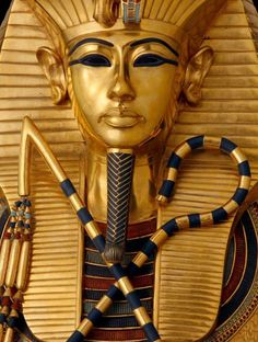 Tutankhamun. gold mask