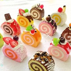 Swiss Cake Roll Squishy They look good enough to eat! (cake roll squishy cute realistic food like charms) Swiss Roll Cakes, Swiss Cake, Sweet Recipes, Cake Recipes, Dessert Recipes, Mini Desserts, Mini Cakes, Cupcake Cakes, Cake Squishy